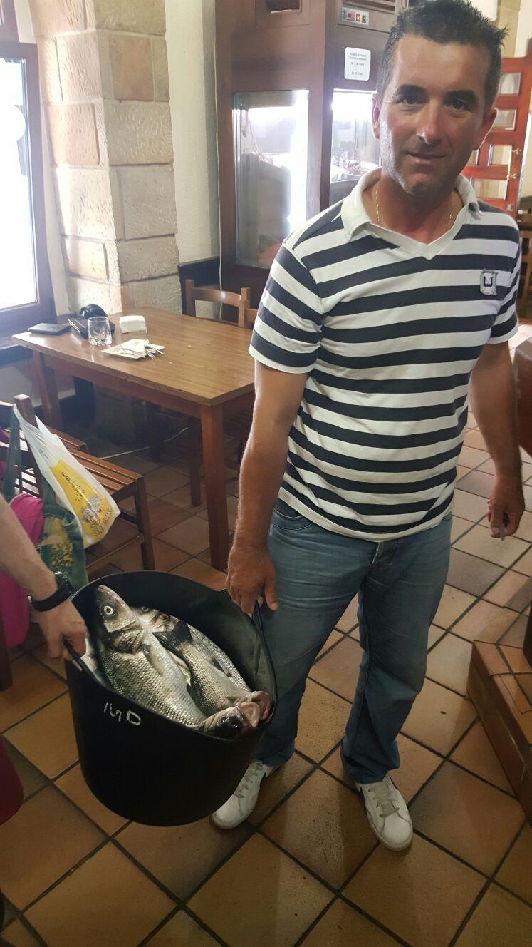 Proveedores Guernica, Fran... el rey de las lubinas... un marinero local